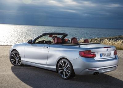 BMWの新2シリーズカブリオレは、日本で貴重な存在の4シーターオープンです。