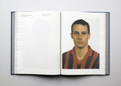 Vol.29 紙の「違和感」を逆手に取った、トーマス・ルフの展覧会図録。