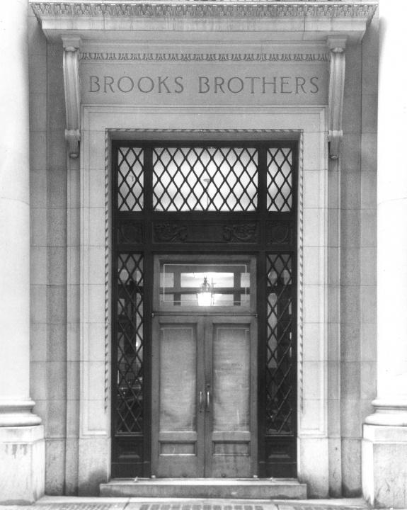創業200周年を迎える「ブルックス ブラザーズ」の豪華ビジュアルブックで、アメリカンスタイルの王道を知ろう。