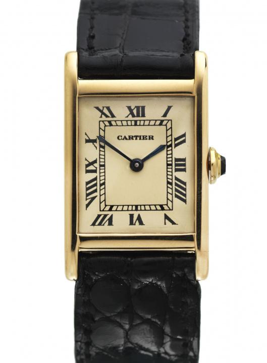 カルティエのヴィンテージ蒐集家が厳選した「タンク」コレクションが、コムデギャルソン青山店に集結!