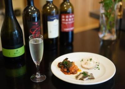 若きソムリエがてがける、西荻窪の期間限定・立ち飲みワインバルがいい。
