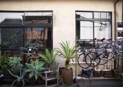 町工場のリノベーションをきっかけに、東上野に新たな人の流れが生まれようとしている。