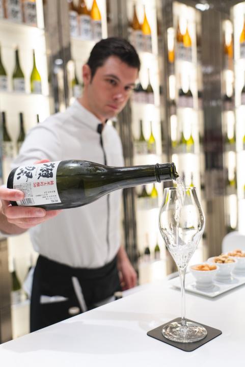 日本酒×フレンチのおいしいマリアージュ!  「獺祭・ジョエル・ロブション」がパリにオープンします。