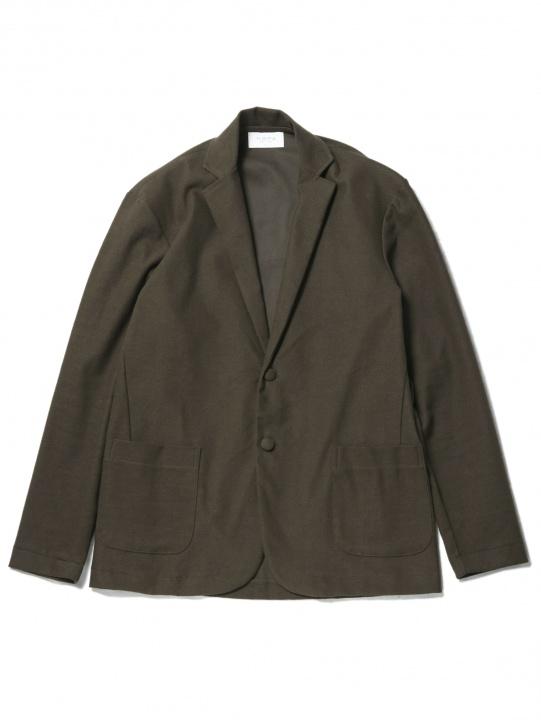 秋のお洒落でまず着たいのはセットアップ! 「フリストフィア」の一着で優雅に決めてみませんか。