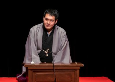 講談師・神田松之丞によるかつてない試み。 全国5都市へライブ中継された講談界初のイベント を、コラムと漫画のコラボで詳細にレポート。