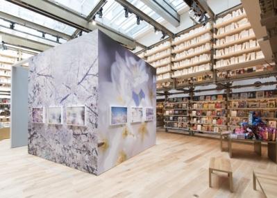 """話題のGINZA SIX、6階「銀座 蔦屋書店」は、アートを身近に感じられる""""体験型空間""""です!"""