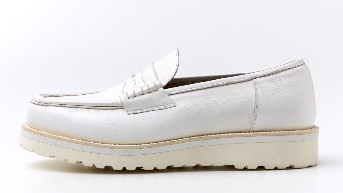 クラフト? アート?  靴デザイナー・勝川永一の新作白革シリーズは、履き心地にもワザあり!