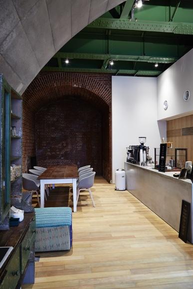 旧交通博物館をリノベした新スポット「haluta」は、コーヒーと最新のデザインが自慢!