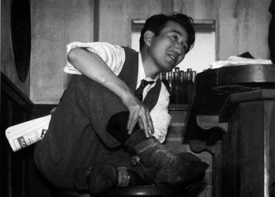 """あの太宰の写真には""""秘密""""があった! 昭和を生きた写真家・林忠彦の展覧会が静かに話題を呼んでいます。"""