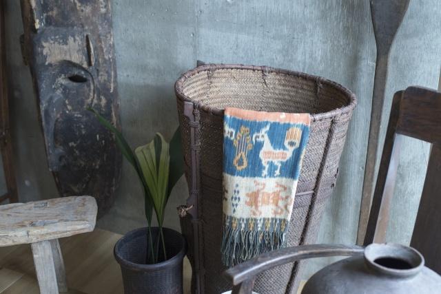 小林和人とイデーショップの注目コラボが紹介するのは、無骨だけどしなやかな、南洋「スンダ列島」の道具です。