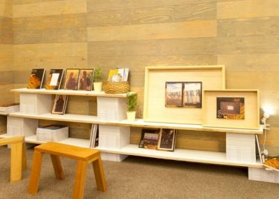 IMA CONCEPT STOREで、建築家・谷尻誠さんが「写真の額の可能性を考える」ワークショップ