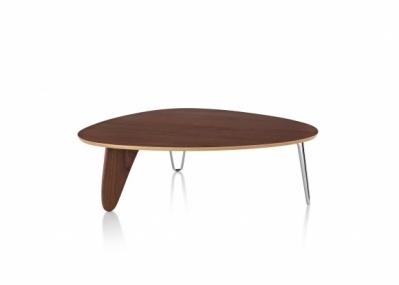 イサム・ノグチがデザインしたラダーコーヒーテーブルが、ハーマンミラー社から発売されます。