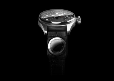 スイス機械式時計の名門「IWC」が、ストラップ内蔵タイプのスマートデバイスを発表!