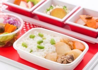 JALの国際線機内食に、人気フードスタイリストのほっこりするメニューが登場します!