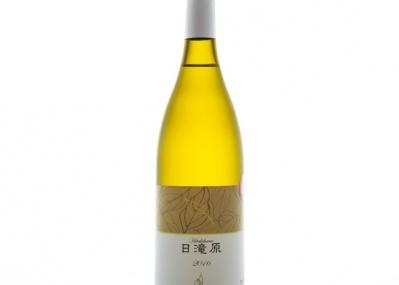生まれ育った扇状地でつくった白は、出汁を効かせた和食にしみじみ寄り添う。