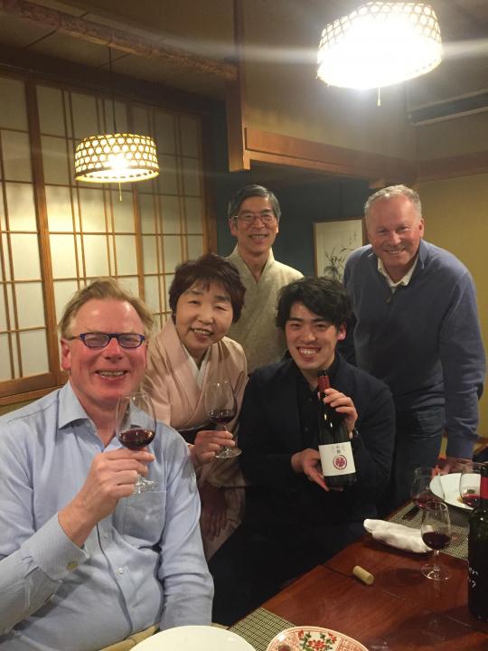長野の老舗旅館がワインづくりを開始、優しくまろやかな赤をお試しあれ。