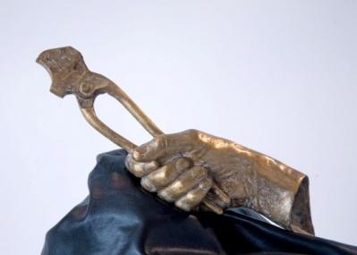 彫刻家カイディン モニック ル=ウエラーの個展、銀座シャネルにて開催中。