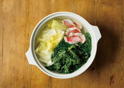 おいしいものを囲んでシェア! 1年を通してテーブルの中心にはモダン土鍋「KAKOMI」を。