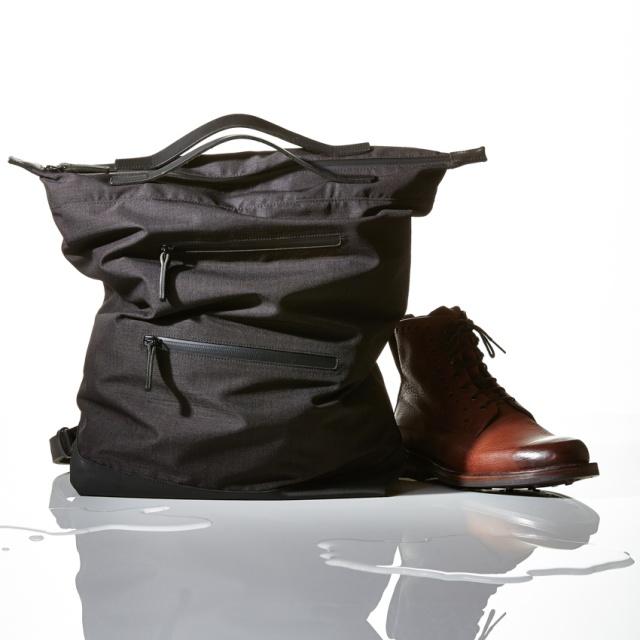 雨や雪に備えたい! 都市生活にフィットする防水バッグのセレクション