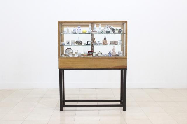 ユーモラスな器とアートな感性が交錯する、上出長右衛門窯と上出惠悟「九谷焼コネクション」。
