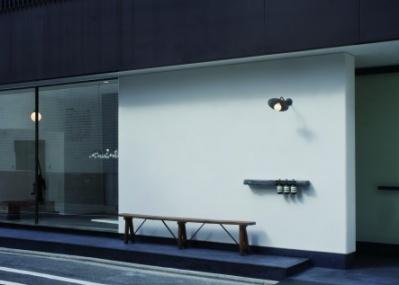 京都にオープンするイソップは、光と影が織りなす風景に注目。