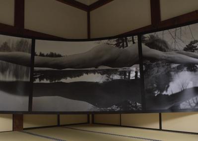 衝撃の世界を切り取る写真に出合う、いま京都で開催中の「KYOTOGRAPHIE」が鮮烈です。