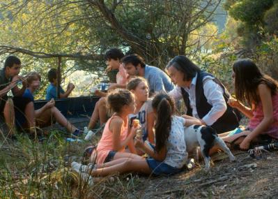 名優ジャン=ピエール・レオーが子どもたちと人生の輝きを伝える注目作、『ライオンは今夜死ぬ』