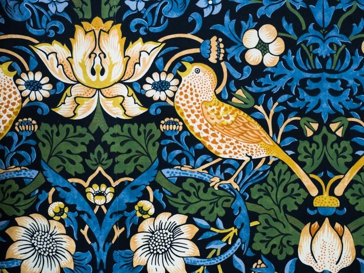 ウィリアム・モリス好き必見のコラボ!「ロエベ」の特別なコレクションを一望できるイベントが、伊勢丹新宿店でスタート
