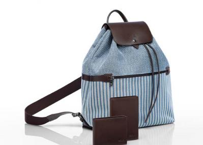 青空のように爽やかな「ロンシャン」で、バッグも春夏用に衣替えしましょう。