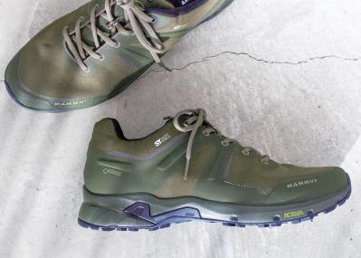 「マムート」で防水スニーカーを発見! 軍モノな配色だからこその、カッコよさです。