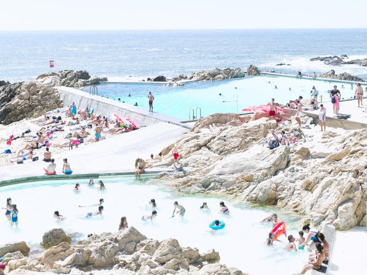 ヨーロッパの珠玉のビーチ写真を堪能、写真家マッシモ・ヴィターリの日本初の個展が開催されます。