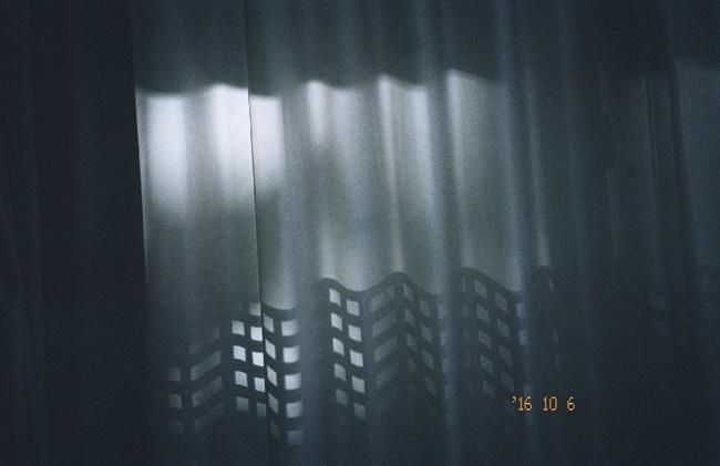 """大学に進学した写真家、石田真澄の、""""品のいい"""" 高校時代のスナップが初の個展に!"""
