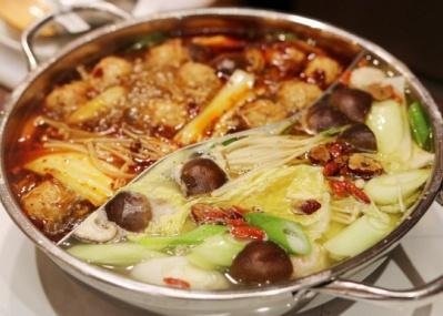 元麻布の「マイスタヴェルクフーズ」に行って、年末年始は多国籍な鍋を楽しもう!