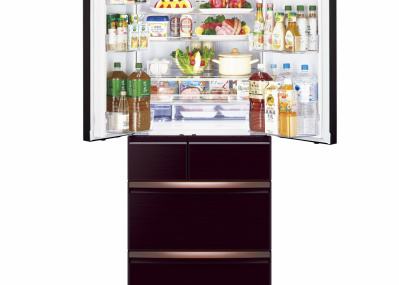 凍った肉も、使いたい分だけサクッと切れる! 三菱電機の新型冷蔵庫は充実の冷凍機能が光ります。