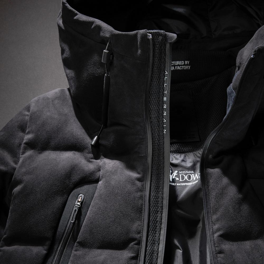 「水沢ダウン」10周年記念の黒スエード2型は、もはや死角ナシの最強ダウンジャケット!