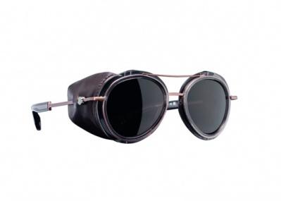 モンクレール初のアイウェアは、伝統的&モダンな冬仕様のサングラス
