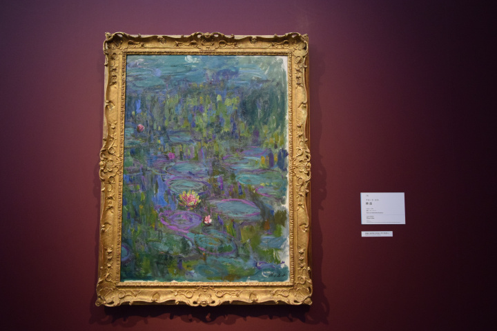 モネと現代アートが共演! ロスコやウォーホルも並ぶ話題の展覧会が面白い理由。