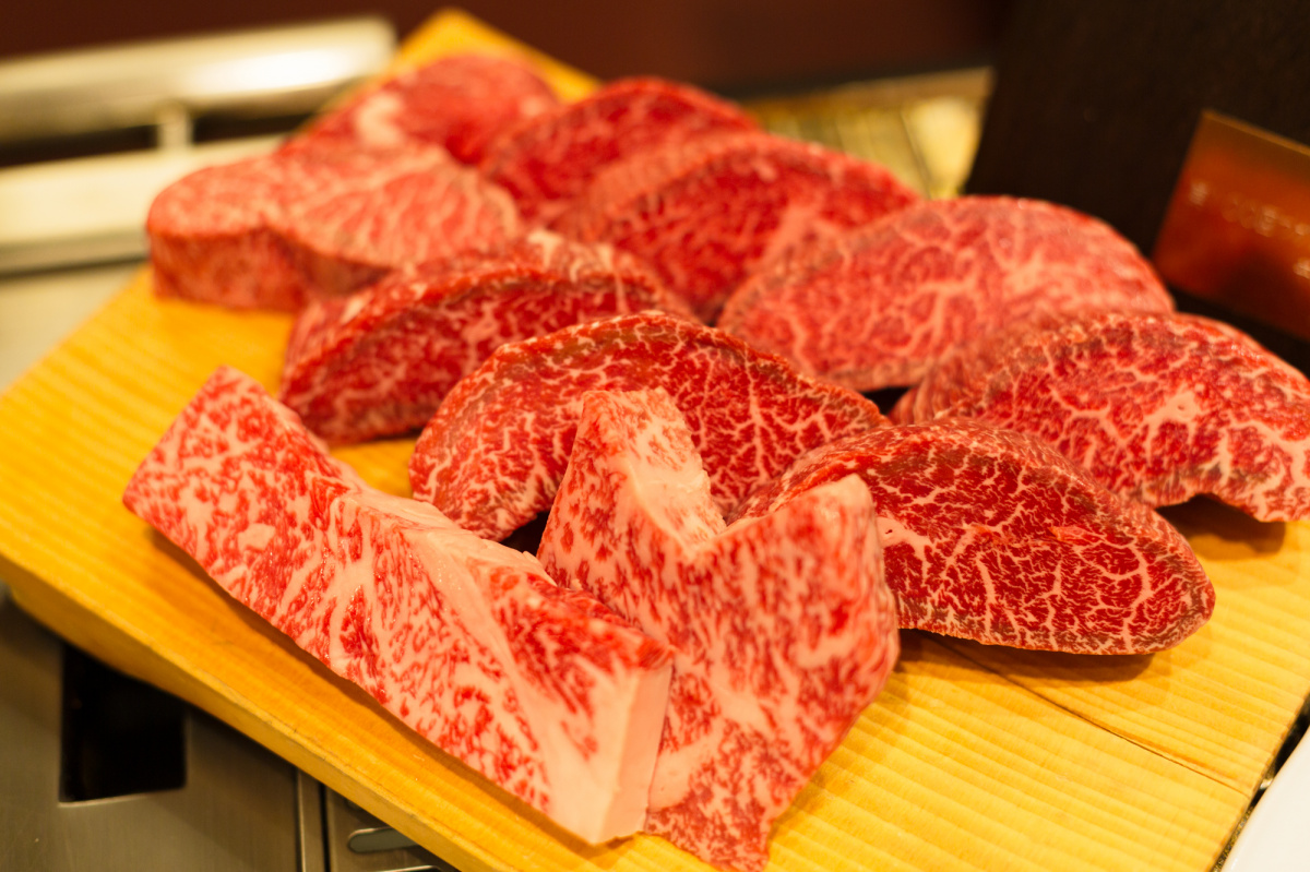"""驚くほどまろやかな""""伝説のクラフトジン""""最新版の隠し味は、神戸牛の脂だった。"""