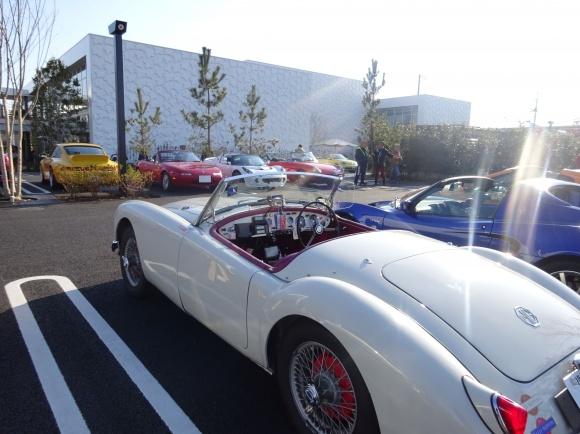 湘南T-SITEにて、スポーツカーの特別展示&トークショー開催!