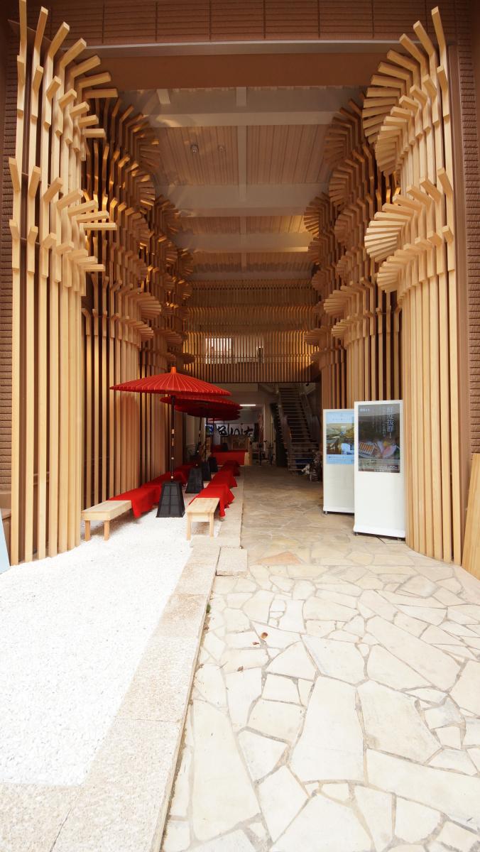 寝ながら森林浴が堪能できる? 檜造りのカプセルホテル「奈良の森ホテル」へようこそ。