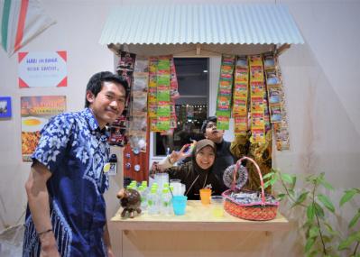 喫茶や語学講座まで! 10カ国の隣人たちの日常に触れる、アーティスト・北澤潤の展示が面白い。