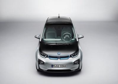 世界3カ国で発表された、BMWの市販型EVはなにが違う?