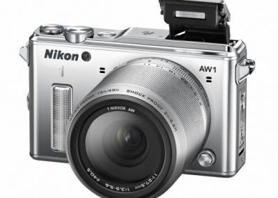 世界初! レンズ交換式の防水・耐衝撃デジタルカメラ「Nikon 1 AW1」が発売されます。