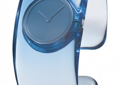 吉岡徳仁デザインの腕時計「オー」に、待望のブルー系が登場!