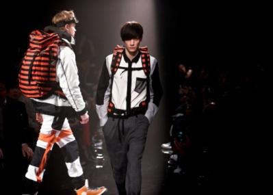 話題のデザイナーが来日&監修、「オニツカタイガー×アンドレア・ポンピリオ」の最新ファッションショー!