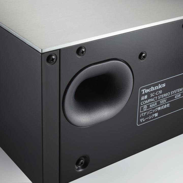部屋に合わせて音響を設計する、職人的ステレオ
