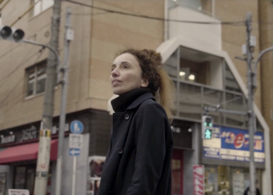 """フランス人建築家エマニュエル・ムホーは、東京がもつ""""色""""に惹かれて移住した。"""