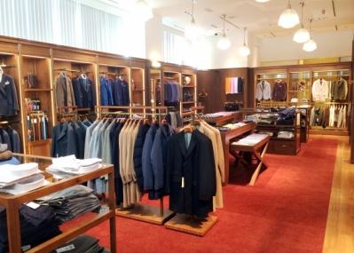 ポール・スチュアート銀座店が、紳士のためのサロンとして生まれ変わりました。