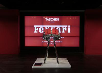 タッシェンの豪華本に「フェラーリ」が登場。マーク・ニューソンデザインのパッケージ、豪華な内容に悶絶!