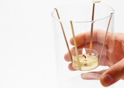 実験器具のようなソリッドな佇まい! 「BP.」から登場したアロマプロダクトで炎と香りを楽しもう。